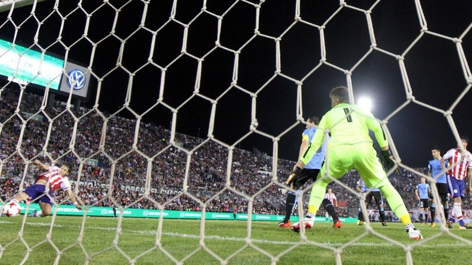Romero descontó cerca del final. (Reuters)