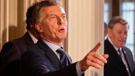 Argentinean President Mauricio Macri is pictured during the Global Conference on Noncommunicable diseases (NCD) at Mercosur headquarters in Montevideo on October 18, 2017. / AFP PHOTO / MIGUEL ROJO