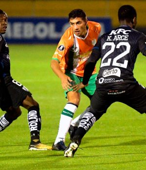 Banfield se la juega en Quito. (AFP)