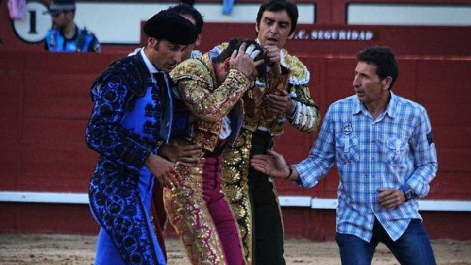 Horrible cogida de Padilla en Arévalo