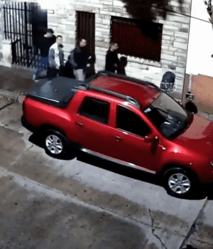 Los cuatro ladrones actuaron a cara descubierta (Captura de video).