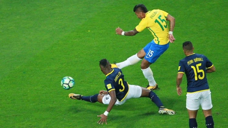 Soccer Football - 2018 World Cup Qualifiers - Brazil v   <a href='https://www.cronica.com.ar/tags/Ecuador'>Ecuador</a>